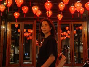 张智霖为袁咏仪庆生 网友喊话给老婆买包了