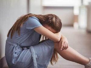9岁女孩患抑郁症 原因